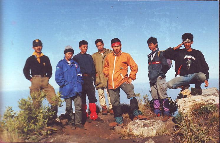 di puncak Tambora