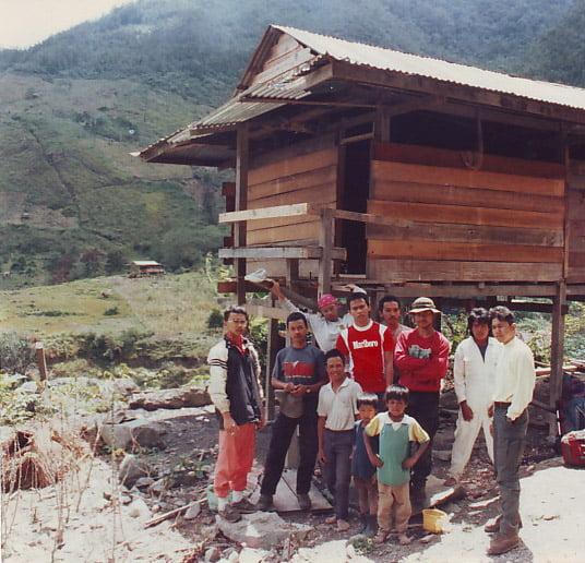 dusunKarangan di kaki gunung Latimojong