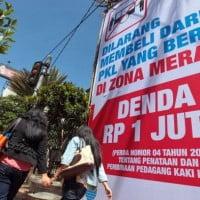 Memberdayakan Pedagang Kaki Lima di Bandung